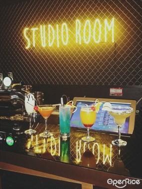 Studio Room Karaoke